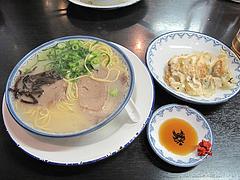 9ランチ:餃子ランチ600円@博多ラーメンしばらく祇園店