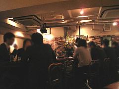4店内:テーブル20席 カウンター8席@ワインバー・SUGIYA(すぎや)・赤坂
