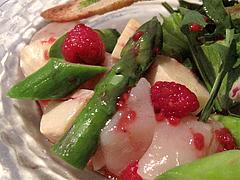 料理:帆立貝柱・アスパラガス・筍のサラダ・フランボワーズのドレッシングアップ@ピサンリ・フレンチ・春吉