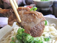 料理:ソーキそばの豚軟骨@結の懸け橋・平尾