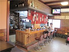 3店内:カウンター・小上がり・テーブル@白龍食堂・那珂川