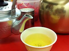 店内:お茶とタレ@元祖ラーメン長浜家・大手門