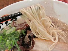 料理:ラーメン麺@元祖博多だるま・博多デイトス店