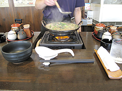 10ランチ:もつ鍋作り中@一人もつ鍋・元祖博多麺もつ屋・春吉