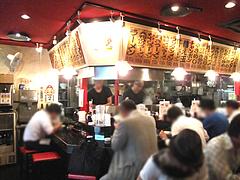 店内:カウンター・テーブル席@博多長浜らーめん風び・中州川端店