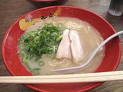 ランチ:ラーメン600円@博多一幸舎・高砂屋台店