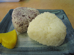 料理:ラーメンおにぎり590円@名前がないラーメン屋・薬院