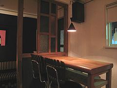 12店内:カップル席@バー・Yumekichi Wine(ユメキチワイン)