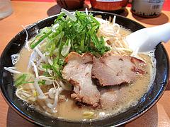 料理:博多らーめん500円+名物ネギもやし200円@博多らーめん一番山・大橋