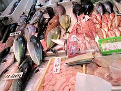 魚・鍋材料@年末の柳橋連合市場・福岡2010