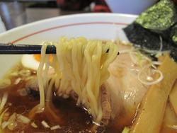 8和風醤油ラーメン麺@博多商店