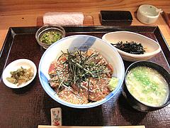 料理:ぶり丼700円@旬美食彩たなごころ・渡辺通