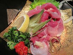 8料理:地鶏刺し@からつ庵・奈良屋店・もつ鍋居酒屋