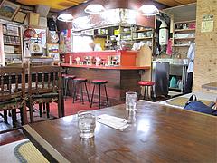 店内:カウンター・テーブル・小上がり@中国飯店・福岡市中央区平和