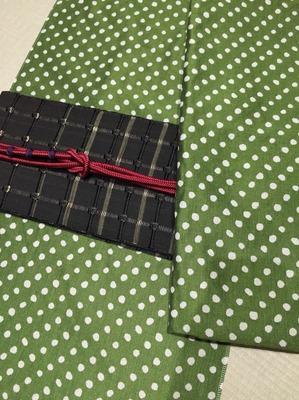 米織小紋 豆絞り 苔色 紙格子 四寸帯 コーディネート