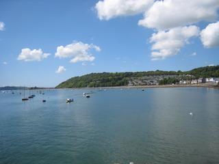 Anglesey を海側から見たところ
