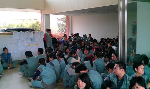 20111205_写真_ストライキ_日系工場1