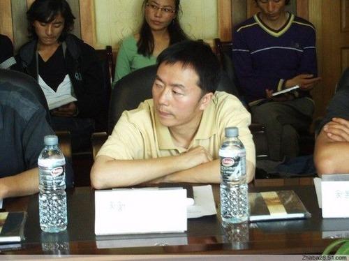 20111101_チベット_作家_逮捕_写真