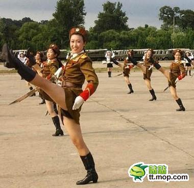 20120227_写真_北朝鮮_スカート_2