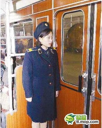 20120227_写真_北朝鮮_スカート_1