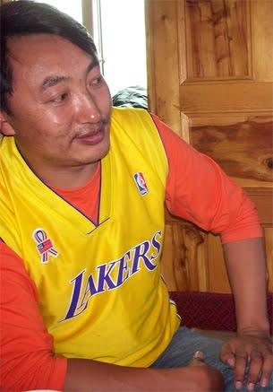 20111101_チベット_作家_逮捕_写真_2