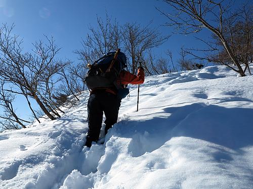 蛇谷ヶ峰頂上前のラッセル