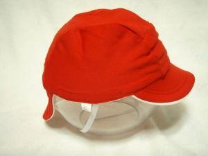 ダイソー赤白帽子