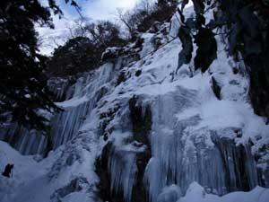 難所が滝2011-1