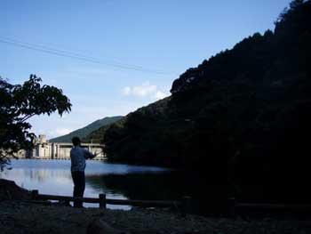 犬鳴ダムで釣り