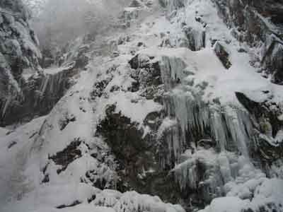イマイチな滝
