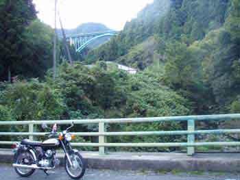 犬鳴ダムの橋