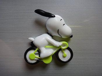スヌーピー自転車マグネット2