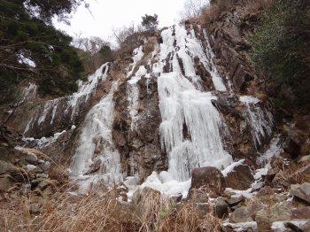 2012凍る滝7