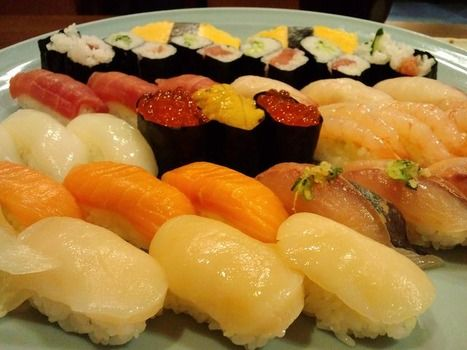 俺「飯なんにする?」 彼女「なんでもいいよ。私お寿司でもいいし」 俺「あ、じゃあ焼肉にする?」  →