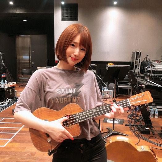 声優の内田真礼さん、5万円もするTシャツを着てしまうwwwwwwwwwwwww