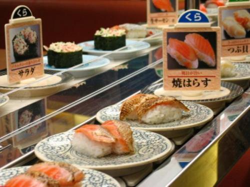 底辺家族「くら寿司おいしいね!」ワイ「はぁ…」