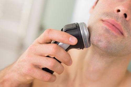 【悲報】『髭を剃る』という現代社会のアホみたいなルールwww