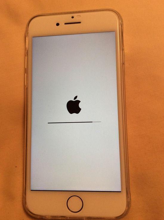【画像】買ったばかりのiPhone 8がこの画面でフリーズしたんだがwwwwwww