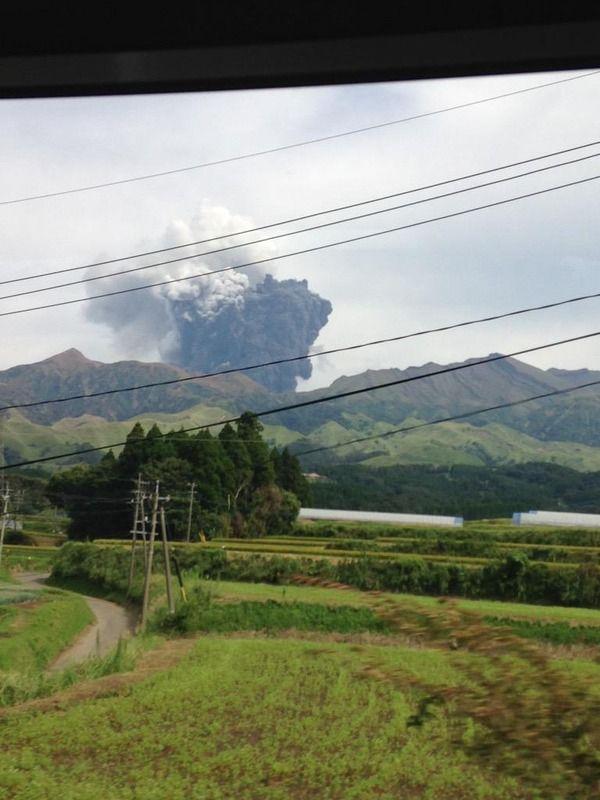 【悲報】阿蘇山が噴火! 現地の写真すげぇ……