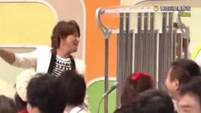 【神対応】NHKのど自慢に出演したSMAP、キムタクの猛抗議に賛否両論wwwwwww 「初めて見たの?」「普通に面白いじゃん」