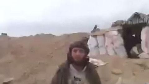 【動画】ISISがプロパガンダビデオを撮影してるところにミサイルが直撃wwwwwwwwwwww