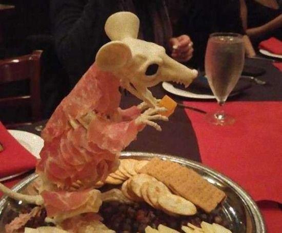 【画像】とあるレストランが独創性を追求しすぎた結果・・・