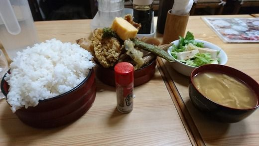 【画像】僕の行きつけの定食屋のサービス定食1000円wwwwwwwwww