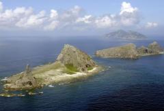 尖閣諸島、安保条約適用を確認 日米防衛相が初の電話会談