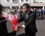 J201004080220 津久井さん初登庁2010-4-8