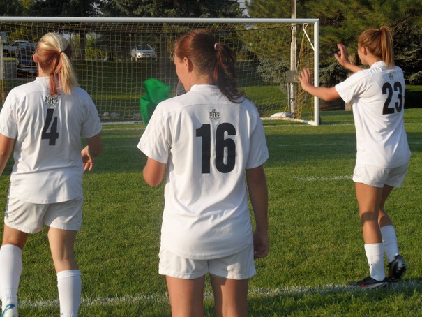 girls_soccer_by_hidedietsumi-d5ypsal