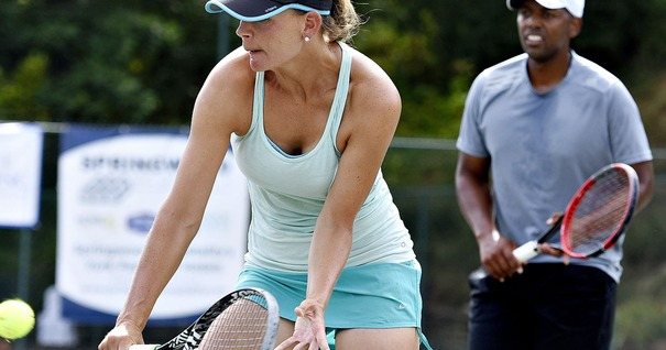 636049793045146778-160724-djs-Cancer-Awareness-Doubles-Tennis-01