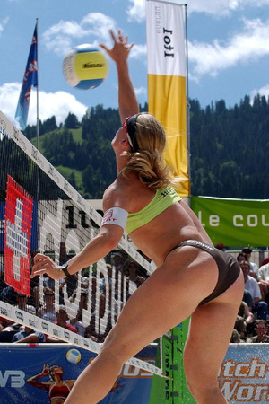 beach-volleyball-butts-31