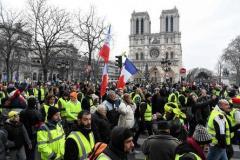 ノートルダム高額寄付に怒り=反政府デモ激化も−フランス