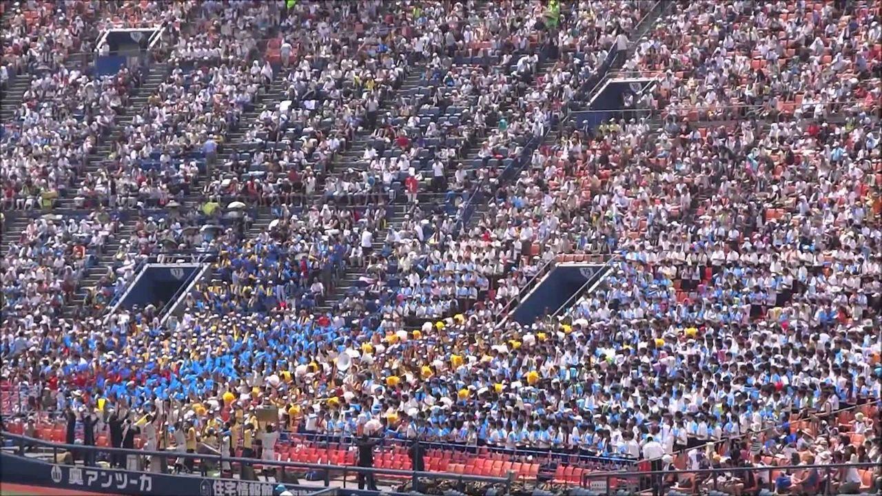 横浜スタジアム、ライト側にせり出す3500人ウイ …